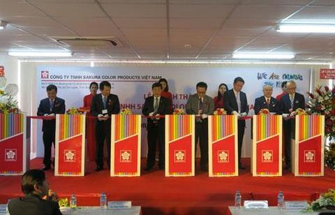 Japan firm inaugurates pen factory in Binh Duong