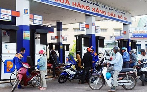 Fuel price hike threatens to raise VN inflation