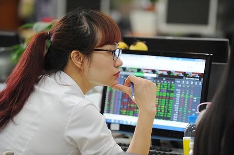 Economic growth concerns still weigh on local stocks