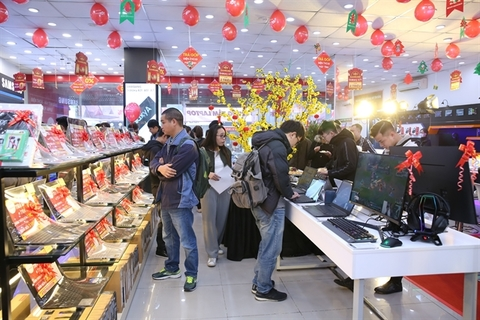 FPT Shop opens 30 laptop centres across the country