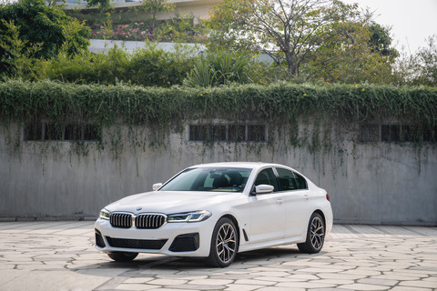 Next level sedan: New BMW 5 Series launched in Vietnam